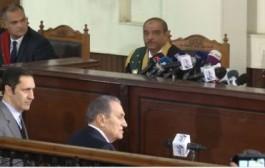 مبارك يواجه مرسي لأول مرة ويتهم حماس بإرسال مسلحين لمصر في 2011