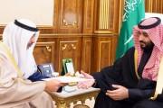 سمو ولي العهد يتسلم رسالة من أمير دولة الكويت
