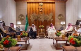 سمو ولي العهد يلتقي رئيس مجلس الأمة بدولة الكويت