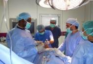 إجراء طبي متقدم للتعامل مع ورم شدقي ممتد للفك لمريض في نجران