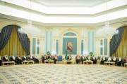 خادم الحرمين الشريفين يستقبل رئيس مجلس الشورى وأعضاء المجلس