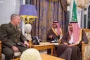 خادم الحرمين الشريفين يستقبل قائد القيادة المركزية الأمريكية