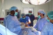 منظار ناجح لإزالة حصاة من سيدة تعاني أمراض قلبية بنجران