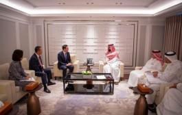 سمو ولي العهد يلتقي رئيس مجلس إدارة مجموعة