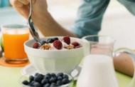 دراسة: إغفال وجبة الإفطار قد یسبب الإصابة بأمراض القلب والوفاة المبكر