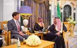 خادم الحرمين الشريفين يستقبل وزير الدفاع الأمريكي