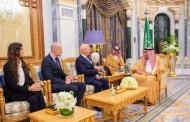 خادم الحرمين الشريفين يستقبل الرئيس التنفيذي ومؤسس المنتدى الاقتصادي العالمي