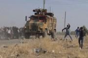 حشود غاضبة ترشق دورية تركية روسية بالحجارة في سوريا