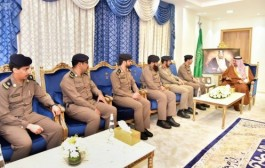 سمو الأمير جلوي بن عبدالعزيز يطلع على تقرير عن أعمال الدفاع المدني بنجران