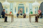 خادم الحرمين الشريفين ورئيس جمهورية قرغيزستان يشهدان توقيع ست اتفاقيات ومذكرات تفاهم بين حكومتي البلدين