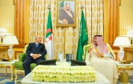 خادم الحرمين الشريفين يعقد جلسة مباحثات مع الرئيس الجزائري