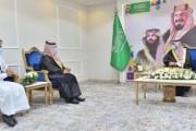 سمو أمير نجران يكرم الدكتور محمد بن صالح بن حمد اليامي استشاري الاورام الذي حقق إنجازًا طبيًا على مستوى الشرق الأوسط