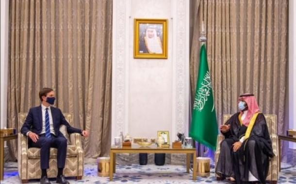 سمو ولي العهد يلتقي كبير مستشاري الرئيس الأمريكي
