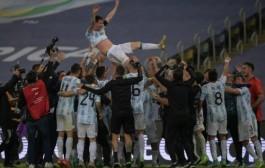 الأرجنتين تهزم البرازيل وتفوز بكأس كوبا أميركا