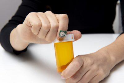 شركة IBM تطور مستشعراً لتعقب الصحة الحركية من خلال ظفر الإصبع