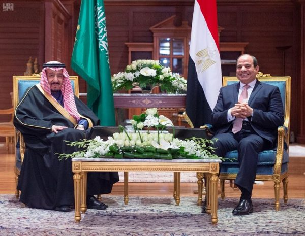 خادم الحرمين الشريفين ورئيس جمهورية مصر العربية يعقدان اجتماعاً ثنائياً وجلسة مباحثات رسمية