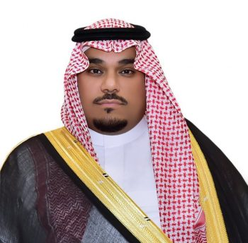 سمو نائب أمير نجران يلتقي مدير الجامعة وقادة القطاعات العسكرية بالمنطقة