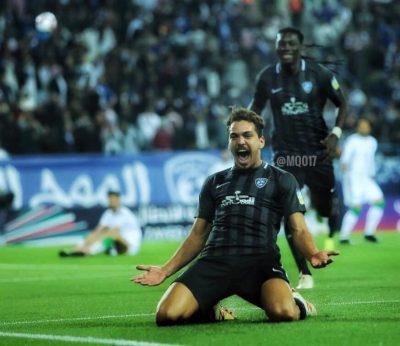 الهلال يقترب من نصف نهائي كأس العرب بثلاثية في شباك الاتحاد السكندري.