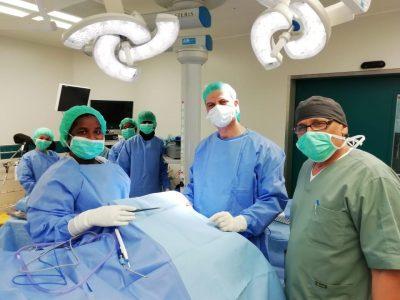 تدخل جراحي طارئ لإستئصال ورم دماغي لمريض في مستشفى شرورة