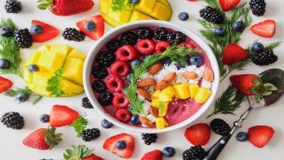 فاكهة لذيذة تحميك من