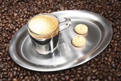 الأطباء يحذرون من إدمان القهوة