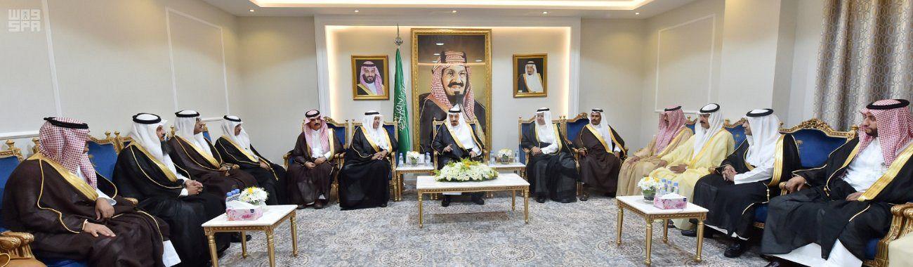 سمو أمير نجران يلتقي أمين المنطقة والوكلاء ورؤساء البلديات